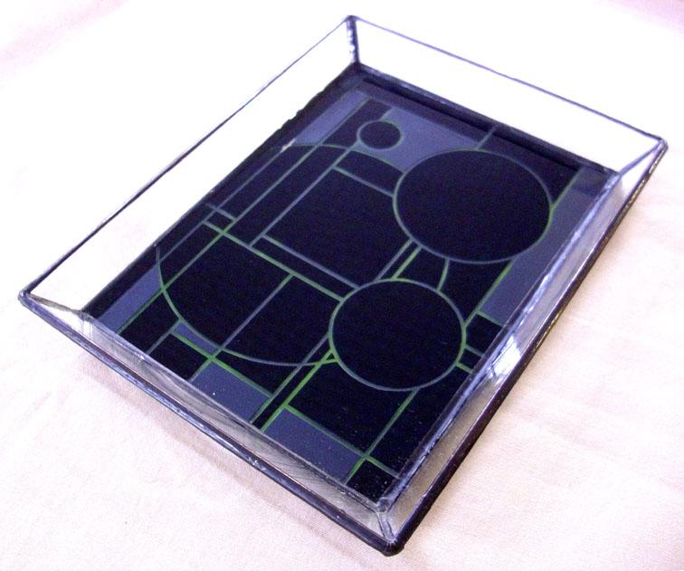 ステンドグラスのトレー1302::990【インテリア・寝具・収納 > インテリア小物・置物】記念日向けギフトの通販サイト「バースデープレス」