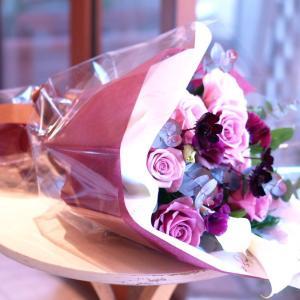 シックでスタイリッシュな「紫のグラデーション花束」【プレゼント 指定日可 ギフト 花束 お祝い イベント 記念日】の画像2枚目