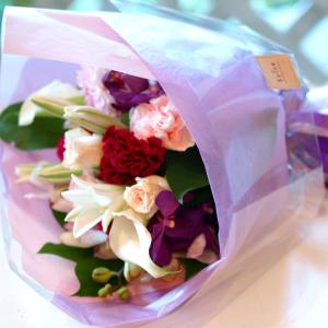 ピンクとパープルの花束「メヌエット」【プレゼント 指定日可 ギフト 花束 お祝い イベント 記念日】