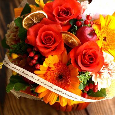 温かみ溢れるオレンジで「コロンバスケット・橙」【 指定日可 ギフト アレンジ フラワー】の画像3枚目
