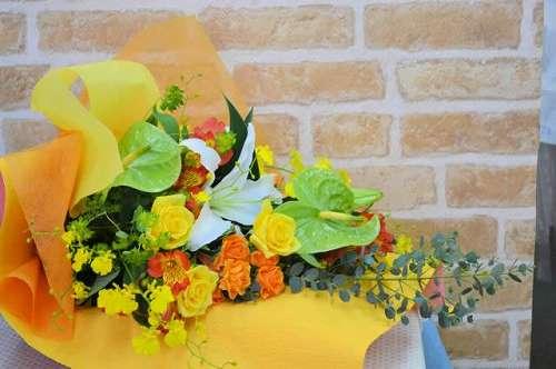 【送料無料】キイロ・オレンジ系花束【花 フラワーギフト アレンジメント フラワー 誕生日】の画像1枚目