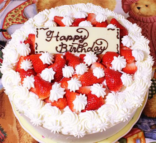 北海道産生クリーム使用☆苺のデコレーションケーキ10号の画像1枚目