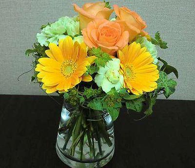 花瓶付き花束 イエロー【誕生日 記念日 贈答 アレンジメント 花 バースデー 敬老の日】