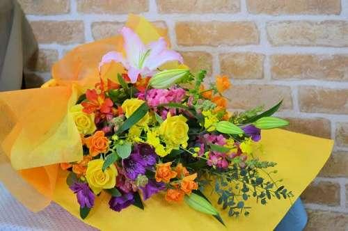 【送料無料】お花屋さんにおまかせ花束(生花)【花 フラワーギフト アレンジメント フラワー 誕生日】