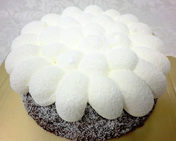 ガトーショコラ6号【誕生日 デコ ケーキ バースデーケーキ】の画像1枚目