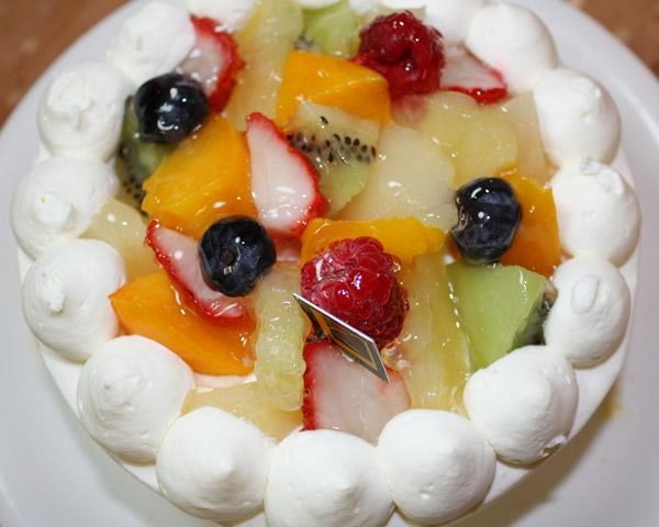 フルーツデコレーションケーキ4号の画像1枚目