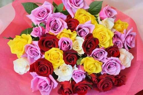 【送料無料】お花屋さんにおまかせバラの花束(生花)【花 フラワーギフト アレンジメント フラワー 誕生日】の画像1枚目