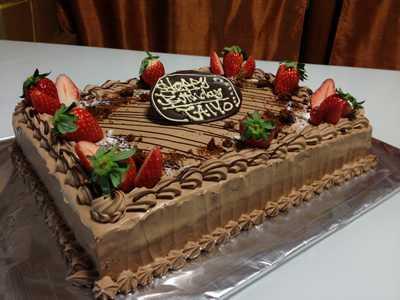 【東京 横浜市、みなとみらい近辺配送】【送料無料】【パーティ用 ウエディング用ケーキの生ケーキを宅配】【25×35cm】スクエア1段 チョコレートの画像2枚目