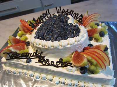 【東京 横浜市、みなとみらい近辺配送】【送料無料】【パーティ用 ウエディング用ケーキの生ケーキを宅配】【20×28cm】スクエア2段ハートの画像2枚目