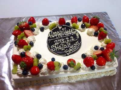 【東京 横浜市、みなとみらい近辺配送】【送料無料】【パーティ用 ウエディング用ケーキの生ケーキを宅配】【20×28cm】スクエア1段の画像3枚目