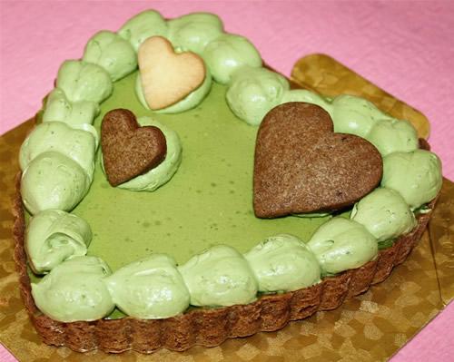 【送料無料】ハートの抹茶チーズたると6号(18cm)【誕生日 ケーキ デコ バースデー】【smtb-T】の画像1枚目