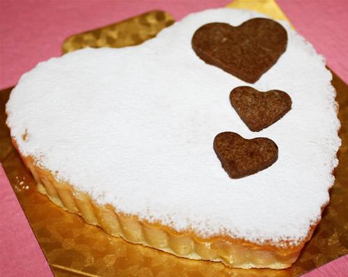 【送料無料】ハートのチーズチーズ6号(18cm)【誕生日 ケーキ デコ バースデー】【smtb-T】の画像1枚目