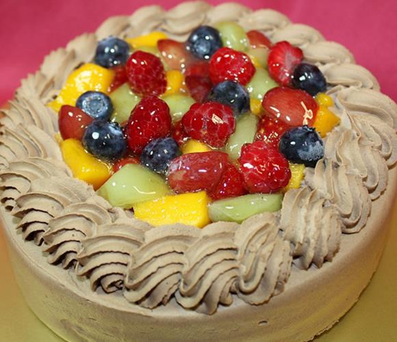 チョコ生クリームフルーツデコレーションケーキ4号(12cm)【バースデーケーキ 誕生日ケーキ デコ バースデー】