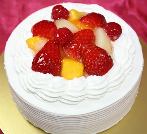 フルーツショートケーキ4号(直径12cm)【誕生日 デコ フルーツデコ バースデーケーキ】の画像1枚目