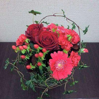 花瓶付きブーケRED【お花 贈答 フラワーギフト 敬老の日】の画像1枚目
