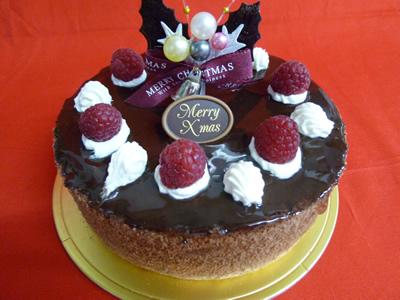 【クリスマスケーキ2015】クリスマスショコラクレームケーキ5号【3〜5名様用】【クリスマス Xmas デコ ケーキ クリスマスケーキ】