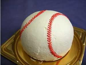 野球ボール、テニスボール立体ケーキ8号サイズの画像1枚目
