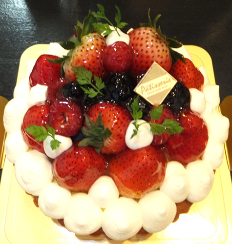 ベリータルト6号(直径18cm)【誕生日 デコ バースデー ケーキ バースデーケーキ】の画像1枚目