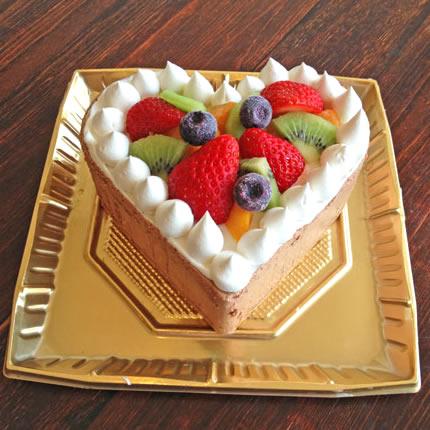 たっぷりフルーツのハートのチョコアイスケーキ(6号・直径17cmホール)の画像1枚目