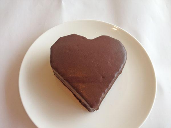 ハートのザッハトルテ風チョコケーキ5号【誕生日 デコ バースデー ケーキ バースデーケーキ】の画像1枚目