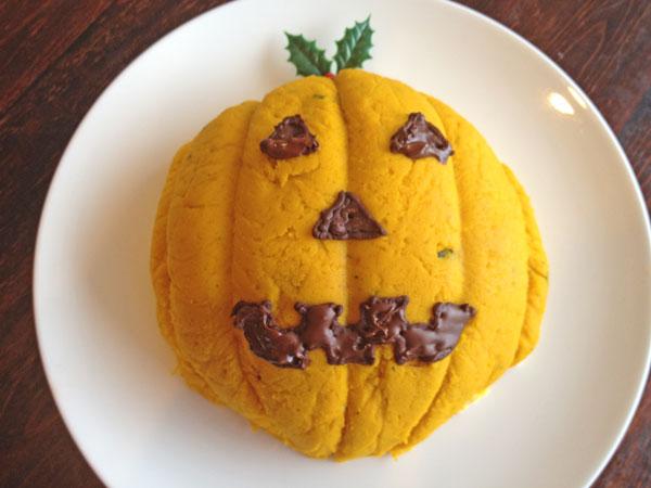 かぼちゃのケーキ(ハロウィンスイーツ)《5号・直径15cmホール》【誕生日 デコ バースデー ケーキ バースデーケーキ】の画像1枚目