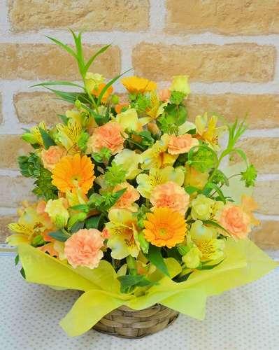 【送料無料】生花アレンジ(キイロ・オレンジ系)【花 フラワーギフト アレンジメント フラワー 誕生日】