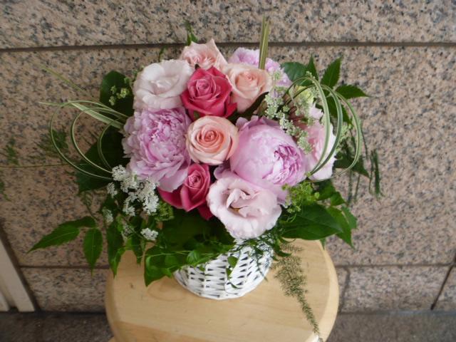 ピンク系ラウンドアレンジ【花 フラワー ギフト】の画像1枚目