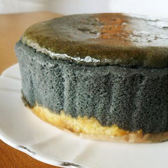 【炭チーズケーキ】黒いチーズケーキ 《5号サイズ》の画像1枚目