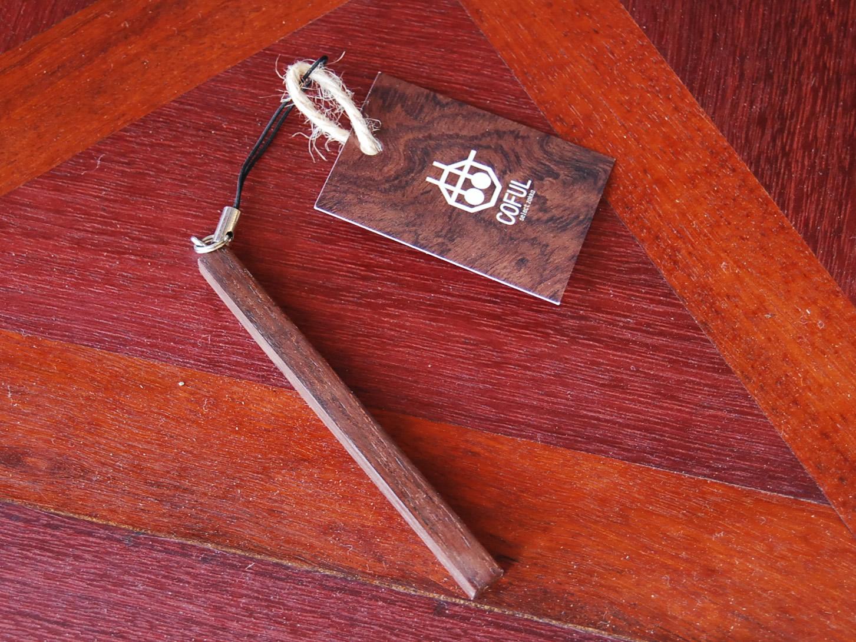WOODストラップ【誕生日 バースデー 記念日 プレゼント 贈答 木材 ウッド】の画像1枚目