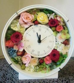 お祝いや贈り物に最適!ブリザードフラワーの花時計