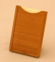 名刺入れ(スギ)【誕生日 贈り物 プレゼント 木製 木工品 ハンドメイド 手作り】の画像1枚目