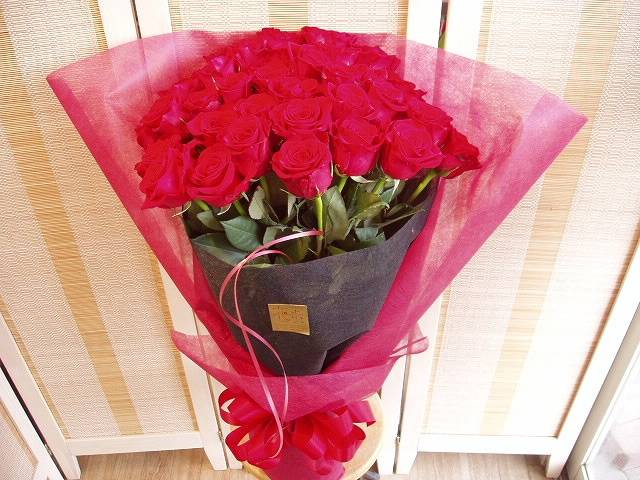 30本の赤いバラの花束【花 フラワーギフト プレゼント】の画像1枚目