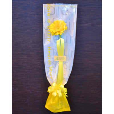 【送料無料】卒業式・卒園式・発表会ギフトフラワー【花 フラワーギフト プレゼント お祝い 誕生日 贈り物】10本以上より配送承りますの画像1枚目