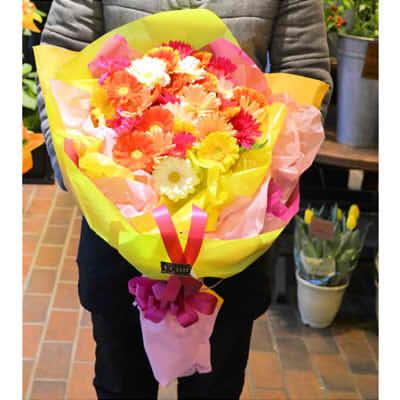 【送料無料】アニバーサリーブーケ(ガーベラ)1本【花 フラワーギフト プレゼント お祝い 誕生日 贈り物】10本以上より配送承りますの画像1枚目