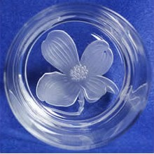 【ポイント10倍】名入れオールドグラスフラワーガーデン/ハナミズキ【誕生日 贈り物 プレゼント ガラス グラス】の画像1枚目
