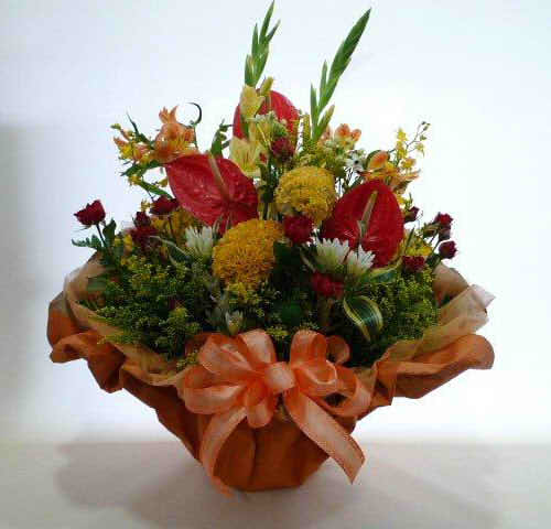生花アレンジバスケット入り【花 フラワーギフト プレゼント お祝い 誕生日 贈り物】の画像1枚目