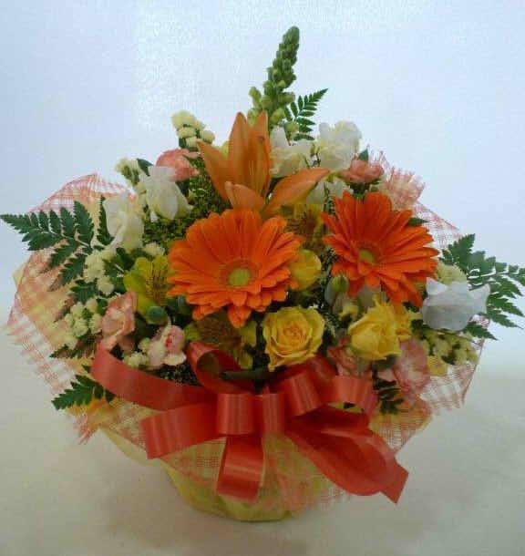 生花アレンジバスケット入り16【花 フラワーギフト プレゼント お祝い 誕生日 贈り物】の画像1枚目