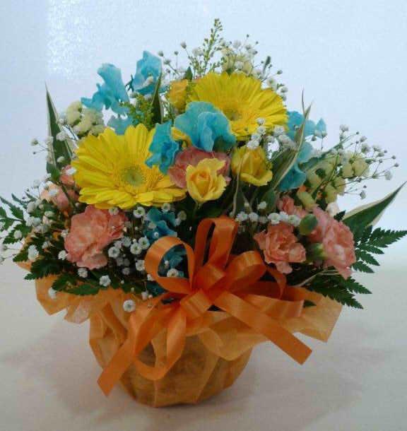 生花アレンジバスケット入り18【花 フラワーギフト プレゼント お祝い 誕生日 贈り物】の画像1枚目