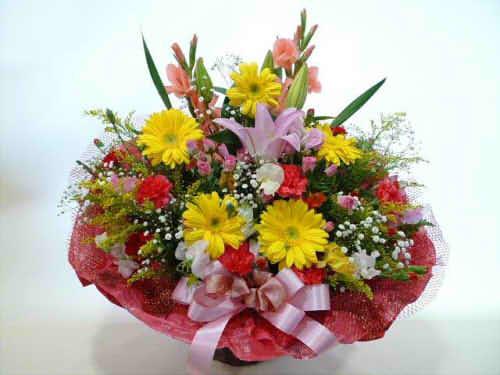 生花アレンジバスケット入り3【花 フラワーギフト プレゼント お祝い 誕生日 贈り物】の画像1枚目