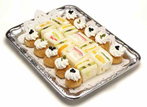【ポイント10倍】フルーツサンドとプチシュー【手作り オードブル 惣菜 高級食材使用】の画像1枚目