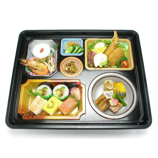 【ポイント10倍】押し寿司と巻物と揚げ物の幕の内【手作り弁当 高級食材使用】