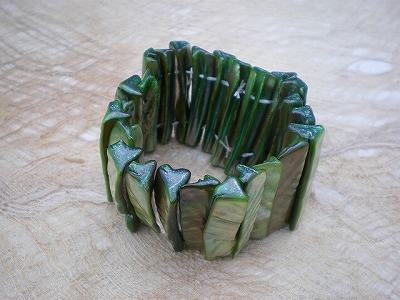 天然の貝ブレスレット 緑