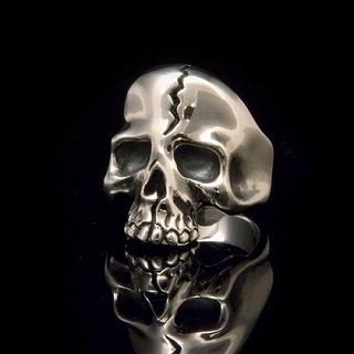 Melty skull ring