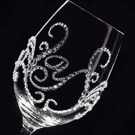 白ワイングラス ティアラ&イニシャル 筆記体   結婚祝い・誕生日プレゼント・デコグラス