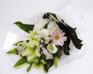 【ポイント10倍】お悔みお供え用花束【花 フラワーギフト プレゼント お祝い 誕生日 贈り物】の画像1枚目