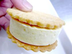 チーズケーキサンドプレーン