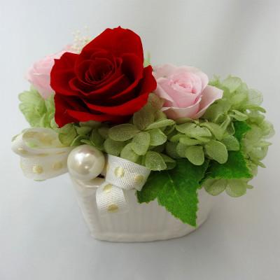 真っ赤なバラとパール Pearly パーリィ【プリザーブドフラワー アレンジメント フラワーギフト プレゼント ギフト】の画像3枚目