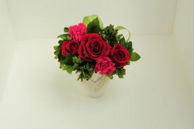 真っ赤なバラとピンクのカーネーション オペラ【プリザーブドフラワー アレンジメント フラワーギフト プレゼント ギフト】の画像3枚目