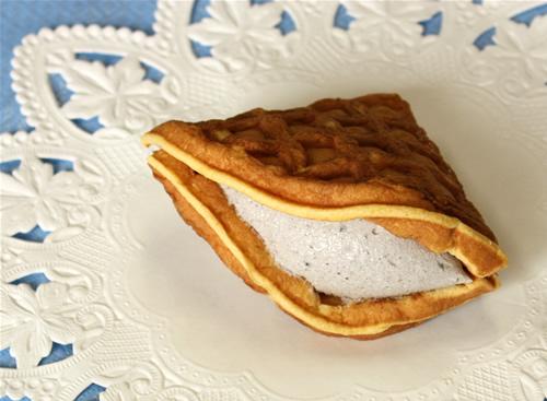 ごま和チーズケーキ15cm×15cm×2cmの画像1枚目