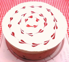 苺ミルク ホールケーキ(卵、乳、小麦対応)の画像1枚目